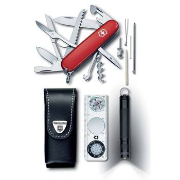 Набор Victorinox 1.8726  Traveller Set (нож+фонарь+компас+чехол)